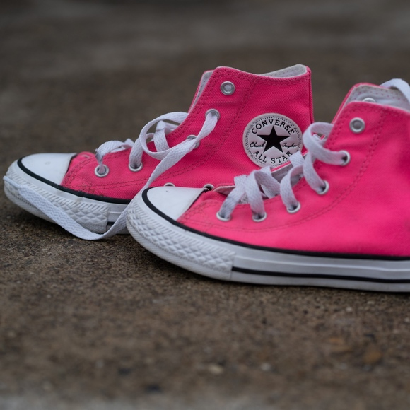 Hot Pink Converse Chuck Taylor Girls